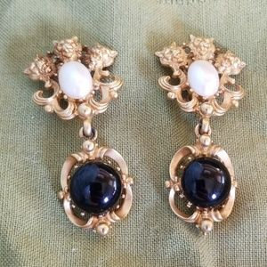 Avon, clip earrings, lion, pearl and black stone